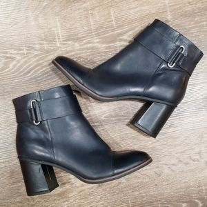 Korks navy blue leather block heel ankle boots 8.5